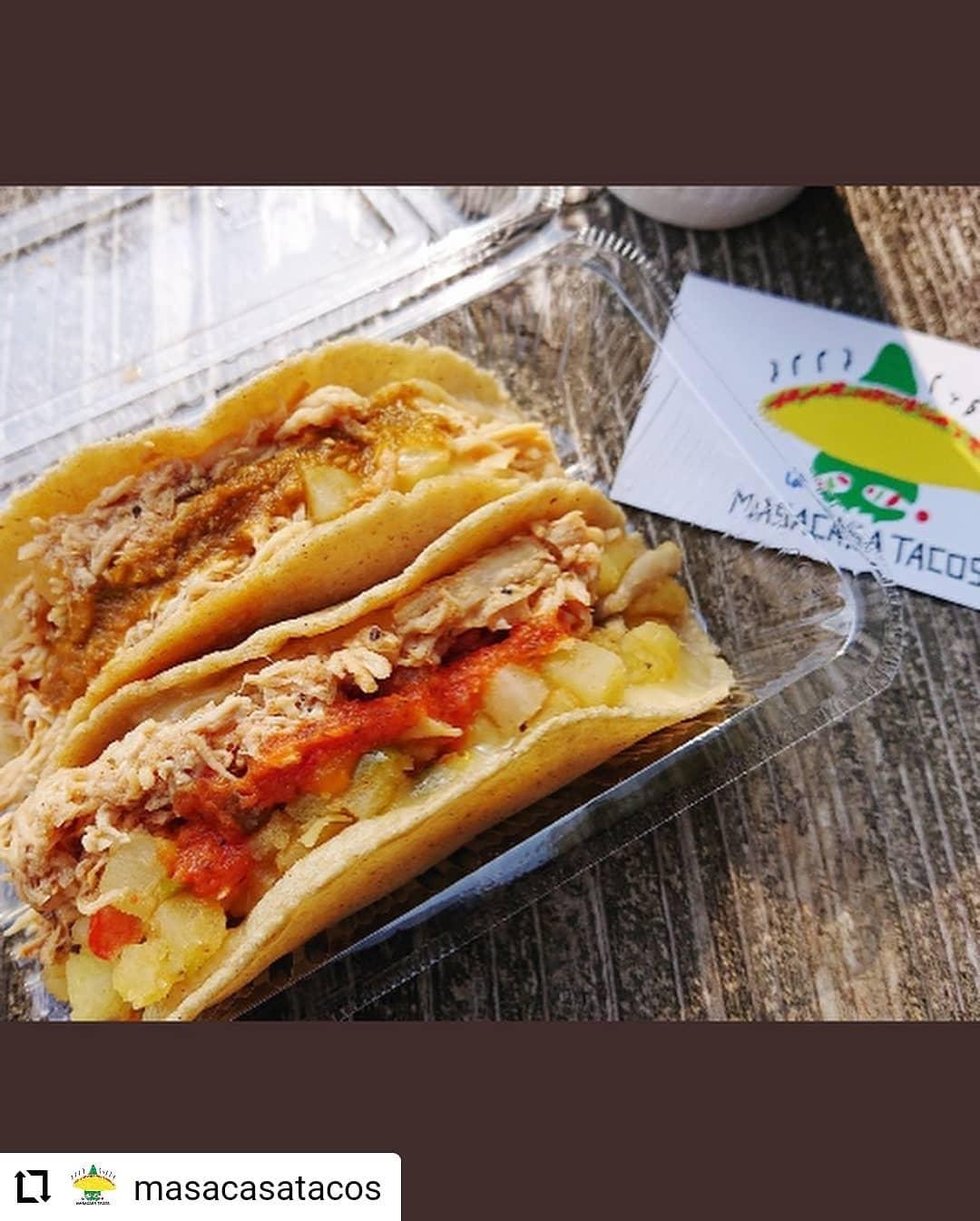 #Repost @masacasatacos…5/16(日) 、日曜市、出店します。We will be at Sunday Farmers market on 5/16 from 8am ish. 日曜市では、高知のじきび粉とメキシコのマサ粉の自家製トルティーヤのタコスです。具は、「高知野菜」土佐紅(枝川の森田農園のさつまいも)、高知産のパプリカ、ピーマン、と四万十鶏のトマト煮です。人気は、四万十鶏のトマト煮と高知野菜、両方入った「ミックス」低カロリー高タンパクな、四万十鶏の胸肉と、さつまいもたっぷりの高知野菜のハーフ&ハーフ。朝食にもばっちりです。サルサは3種類 A: トマト、B: 青唐辛子 ミョウガ パクチー、C :  チポトレ(ハラペーニョの燻製)、赤唐辛子サルサの唐辛子、トマト、玉ねぎ、ニンニク、茗荷、パクチーも高知産です。場所は、日曜市3丁目、駐車場の前 開店は、8時くらいからに、なります。よろしくお願いいたします。SNSにタグ付け投稿していただいた方々の写真を使わせていただいています#高知 #日曜市 #タコス #サルサ #高知野菜 #四万十鶏 #高知タコス計画 #自家製トルティーヤ #森田農園 さんの#土佐紅 #森田農園 さんの #ハラペーニョ を#松原ミート さんに#燻製 していただいた#チポトレ #日高村 のトマト #farmersmarket #tacos #kochi