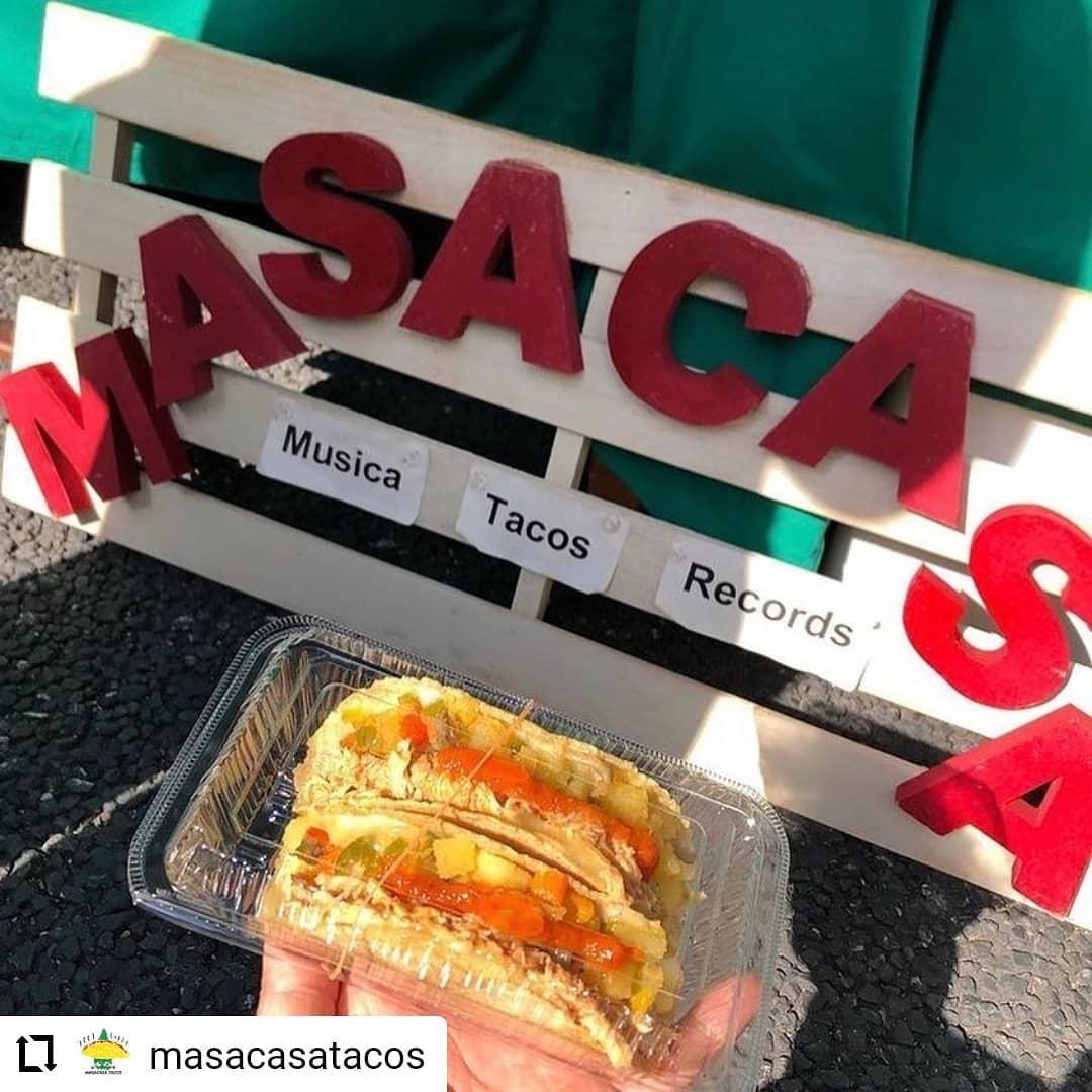 #Repost @masacasatacos…6/6(日) 、日曜市、出店します。We will be at Sunday Farmers market on 6/6 from 8am ish. 日曜市では、高知のじきび粉とメキシコのマサ粉の自家製トルティーヤのタコスです。具は、「高知野菜」土佐紅(枝川の森田農園のさつまいも)、高知産のパプリカ、ピーマン、と四万十鶏のトマト煮です。人気は、四万十鶏のトマト煮と高知野菜、両方入った「ミックス」低カロリー高タンパクな、四万十鶏の胸肉と、さつまいもたっぷりの高知野菜のハーフ&ハーフ。朝食にもばっちりです。サルサは3種類 A: トマト、B: 青唐辛子 ミョウガ パクチー、C :  チポトレ(ハラペーニョの燻製)、赤唐辛子サルサの唐辛子、トマト、玉ねぎ、ニンニク、茗荷、パクチーも高知産です。場所は、日曜市3丁目、駐車場の前 開店は、8時くらいからに、なります。よろしくお願いいたします。SNSにタグ付け投稿していただいた方々の写真を使わせていただいています#高知 #日曜市 #タコス #サルサ #高知野菜 #四万十鶏 #高知タコス計画 #自家製トルティーヤ #森田農園 さんの#土佐紅 #森田農園 さんの #ハラペーニョ を#松原ミート さんに#燻製 していただいた#チポトレ #日高村 のトマト #farmersmarket #tacos #kochi